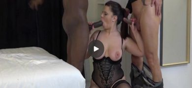 Cute French BBW Dolores is double penetrated