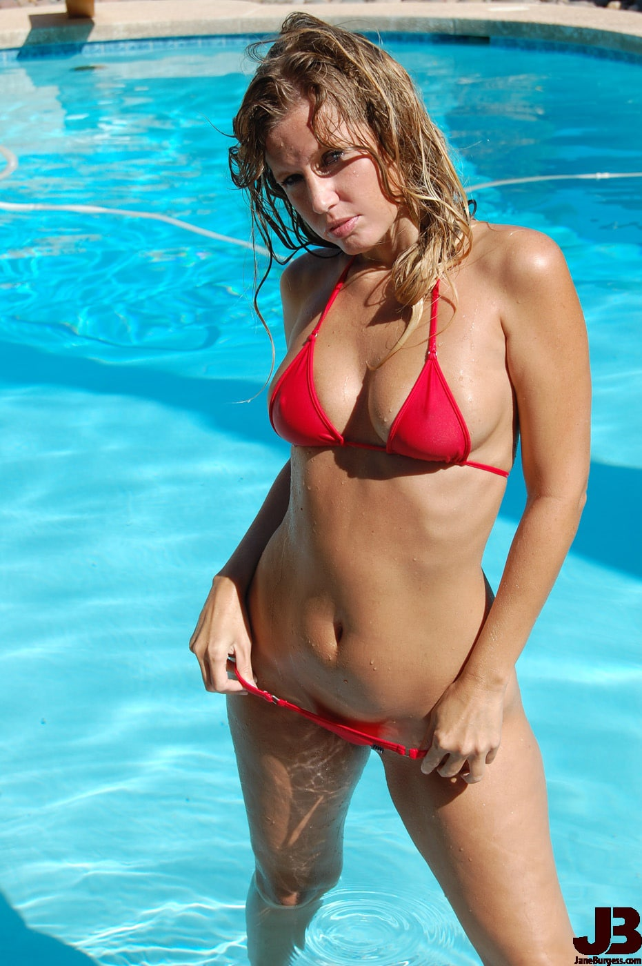 JaneBurgess Sexy Swimming Picture 2