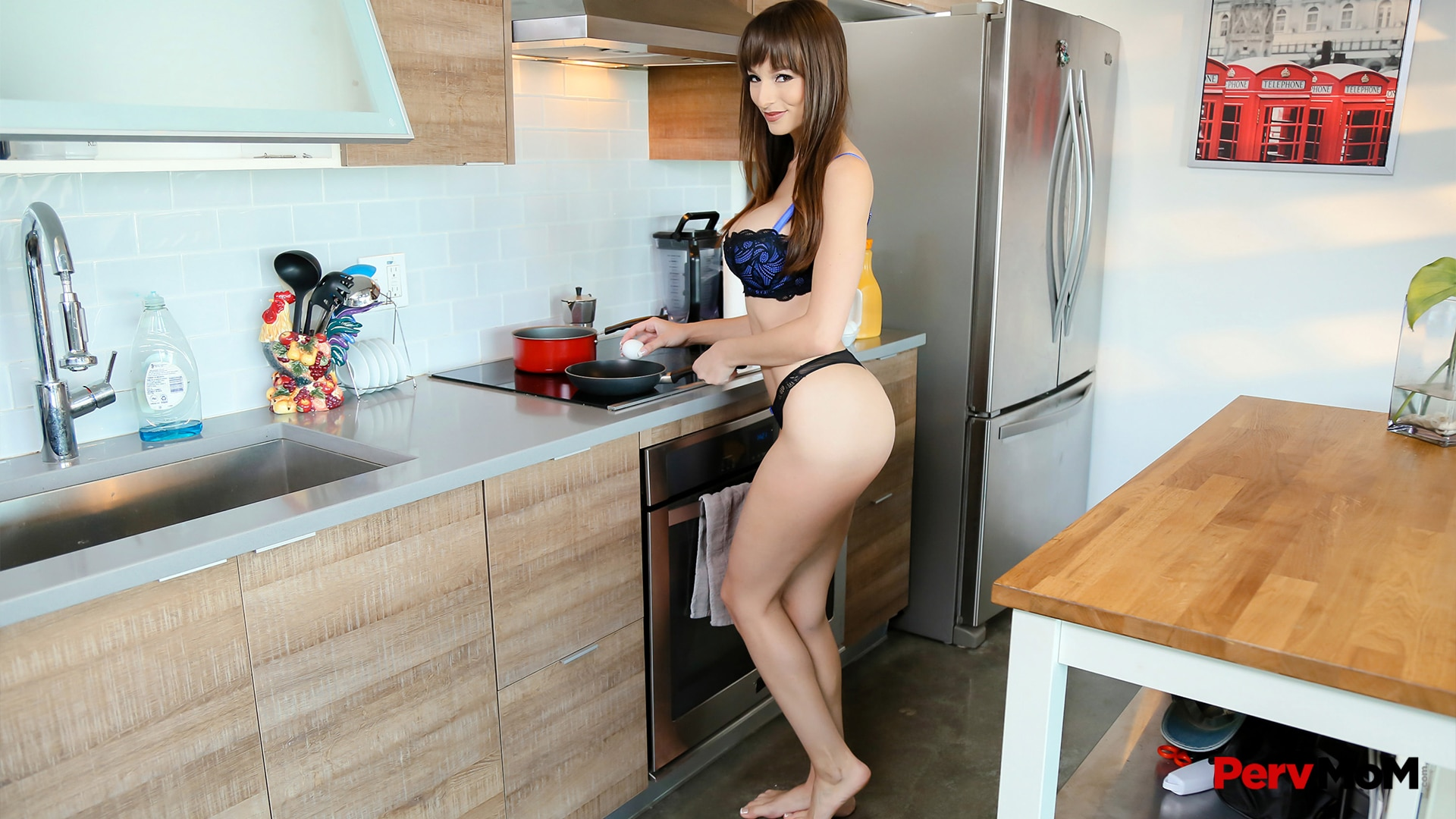PervMom - Ready To Fuck In the Kitchen