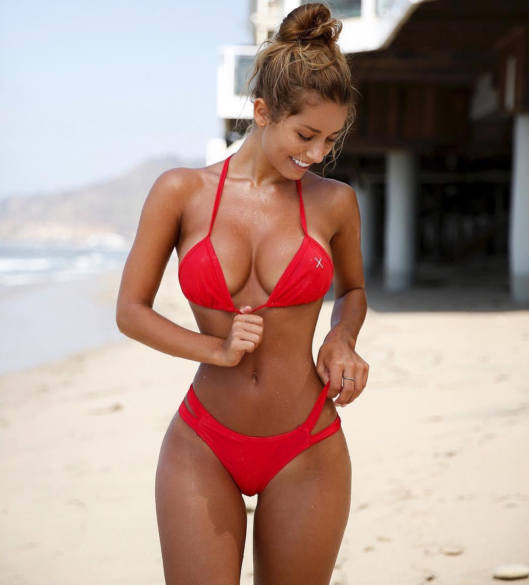 Kelli berglund socila media,Tiger woods nude girlfriend Porno movies Shailene woodleys,Robin wright bikini